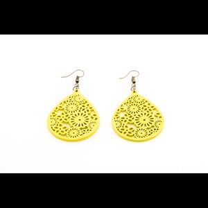 Jewelry - Wood filligree teardrop earrings